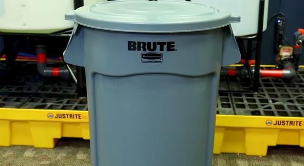 Brute Trash Can